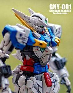 MODELER: adnan.nan.37  MODEL TITLE: N/A  MODIFICATION TYPE: kit bash, custom color scheme, custom decals  KITS USED: 1/100 Gundam Astraea, ...
