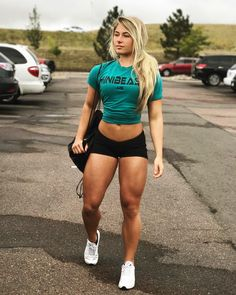 """50.8k Likes, 687 Comments - Carriejune Anne Bowlby (@misscarriejune) on Instagram: """"Minibeast♀️ #linkinbio"""""""