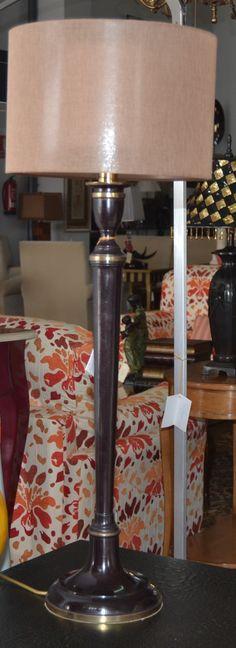 Lámpara sobremesa  md. 11-485 Medidas:  0,85 alto. Consultar precio con descuento especial. Unidades disponibles 2