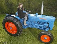 Gemma Pulsford, has spent the last two years painstakingly restoring and repainting every single piece of her beloved 1962 Fordson Dexta classic tractor. Farmall Tractors, Ford Tractors, Vintage Tractors, Vintage Farm, New Tractor, Classic Tractor, Trucks And Girls, Girl Power, At Least