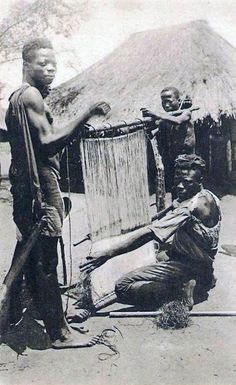 Africa | Weavers in the Belgian Congo || Vintage postcard; publisher Mission des Peres Blancs / E. Thill Nels