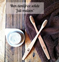 Homemade solid toothpaste - My Girlfriend Pauline Homemade Scrub, Homemade Facials, Homemade Clay, Beauty Tips For Face, Diy Beauty, Shakira, Green Tea Toner, Carbonate De Calcium, Homemade Toothpaste