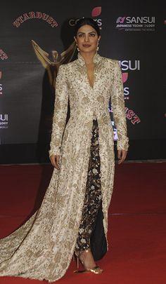 priyanka-chopra-in-anamika-khanna Dress Indian Style, Indian Fashion Dresses, Pakistani Dresses, Indian Outfits, Gilet Long, Bollywood Fashion, Bollywood Saree, Party Wear Dresses, Indian Designer Wear
