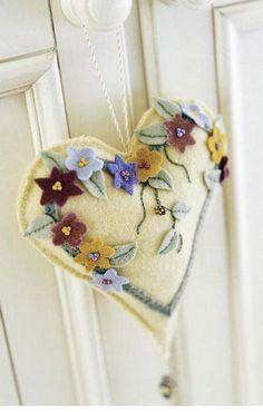 DIY Pincushion Patterns: Make the Romantic Heart Pincushion