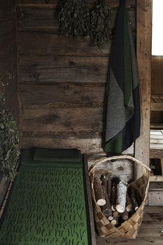 NEULASET seat cover, design by Reeta Ek. TERVA towel in washed linen-tencel-cotton. Made by Lapuan Kankurit. Spa Sauna, Pattern Design, Print Design, Copenhagen Design, Rya Rug, Finnish Sauna, Big Rugs, Linen Towels, Terry Towel