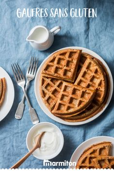 Easy gluten-free, wheat-free, milk-free waffles with an option for egg-free Gluten Free Pancakes, Pancakes And Waffles, Egg Decorating, Egg Free, Easter Eggs, Oatmeal, Food Porn, Food And Drink, Vegetarian