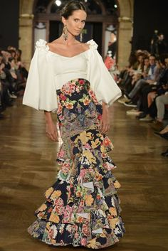 We Love Flamenco ha añadido a new photo. - We Love Flamenco Flamenco Costume, Flamenco Skirt, Flamenco Dresses, Fashion Mode, Love Fashion, Womens Fashion, Fashion Design, Dress Skirt, Dress Up