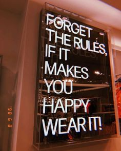 casual style everyday style fashion outfits casual fashion sweaters with leg fashion quotes Motivacional Quotes, Neon Quotes, Selfie Quotes, Words Quotes, Sayings, Citations Selfie, The Words, Vintage Quotes, Happy Words