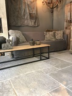www.nl - Home Page Stone Tile Flooring, Flagstone Flooring, Stone Tiles, Living Room Flooring, Kitchen Flooring, Floor Design, House Design, Rustic Stone, Slate Stone