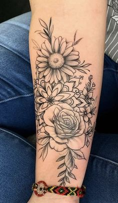 back tattoo for women flowers - tattoo women, flowers You are in the right place about rücken tattoo frauen blumen Tattoo Des - Dream Tattoos, Future Tattoos, Love Tattoos, Body Art Tattoos, New Tattoos, Small Tattoos, Tattoos For Women, Tatoos, Floral Tattoos