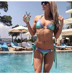 Fitness Model Reveals the Diet Change That Cured Her 15-Year Bloat