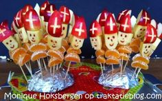 : Weihnachtsmann haftet - New Ideas St Nicholas Day, Creative Snacks, All Souls Day, All Saints Day, Theme Noel, Dutch Recipes, Birthday Treats, Food Humor, Edible Art