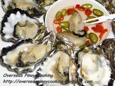 Kinilaw na Talaba, Oyster in Vinegar Chili Dip Filipino Dishes, Filipino Recipes, Chili Dip, Sisig, Calamansi, Fish And Meat, Pinoy Food, Oysters, Vinegar