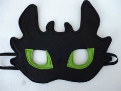Toothless dragon viking mask for children dressing up costume. Great gift, birthdays, parties, role play/ Toothless dragon viking mask for children dressing by. Toothless Party, Toothless Costume, Toothless Dragon, Dragon Costume, Felt Dragon, Dragon Mask, Dragon Birthday, Dragon Party, Dragon Viking