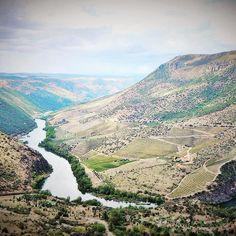 イベリア半島で一番好きなドゥエロポルトガルではドウロになります#duero #douro #beautifulriver  #portugal  #spain #beautifullandscape #ポルトガル #スペイン #ドゥエロ  #wine #vino by angelchihospain