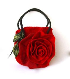 Spring Summer bags Big red felt rose bag felted me Felt Roses, Felt Flowers, Diy Accessoires, Felt Purse, Felt Bags, Flower Bag, Red Handbag, Red Felt, Purses And Handbags