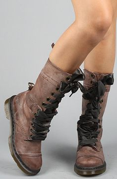 In <3 with these boots right now...