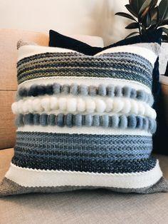 Made by Prairieknotco Weaving Textiles, Weaving Art, Loom Weaving, Tapestry Weaving, Boho Pillows, Diy Pillows, Weaving Wall Hanging, Weaving Projects, Weaving Techniques