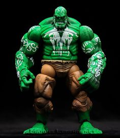 Marvel Legends House Of M Gift Set House of M Hulk // Pinned by: Marvelicious Toys - The Marvel Universe Toy & Collectibles Podcast [ m a r v e l i c i o u s t o y s . c o m ]