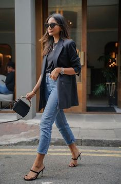 How to wear the blazer in style? - Sleepy Kate - How to wear the blazer in style when you are a woman? I share with you my style advice and outfit i - Street Style Outfits, Looks Street Style, Mode Outfits, Looks Style, Fashion Outfits, Teen Outfits, Blazer Outfits For Women, Dope Style, Fashion Pants