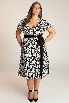 Semi formal dress for chubby women semi formal dresses, how to feel beautiful, wedding Dress Plus Size, Plus Size Outfits, Semi Formal Dresses, Casual Dresses, Long Dresses, Dress For Chubby, Curvy Fashion, Plus Size Fashion, Girl Fashion