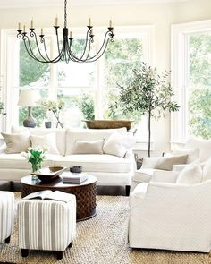 Next up we have this classic white country farmhouse living room. I'm not sure of the source I'm guessing Pottery Barn? If you know feel free to comment and I'll update it! And you know the drill if you'd like to see us recreate this space double tap now! #CopyCatChic
