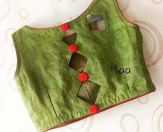 Latest Blouse Designs Back Neck Indian Blouse Designs, Simple Blouse Designs, Stylish Blouse Design, Blouse Neck Designs, Latest Blouse Designs, Kurti Back Neck Designs, Simple Blouse Pattern, Blouse Neck Patterns, Cotton Saree Blouse Designs