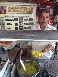 A sunny Mumbaiyya breakfast at Mr Kamble's stall in Bandra E #Mumbai #Poha #Street #Food #India #ekPlate #ekplatepoha