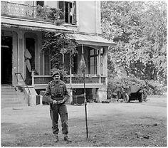 22 september 1944, General Urquhart poseert bij Hartenstein