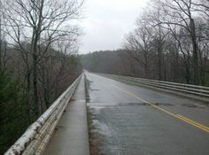 The Roanoke River Bridge along the Blue Ridge Parkway. Roanoke River, Virginia Mountains, Blue Ridge Parkway, Bridge, Country Roads, Star, City, Bridges, Bro