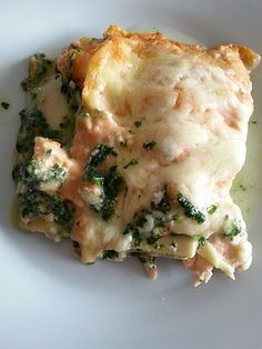 Salmon lasagna with spinach, a delicious recipe from the fish category. Ratings: Average: Ø Salmon lasagna with spinach, a delicious recipe from the fish category. Ratings: Average: Ø Shrimp Recipes, Salmon Recipes, Fish Recipes, Beef Recipes, Vegan Recipes, Snack Recipes, Dinner Recipes, Spinach Lasagna, Gourmet