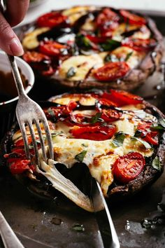 Roasted in garlic butter, stuffed with fresh mozzarella cheese and tomatoes, then finished with balsamic Vegetarian Recipes Easy, Veggie Recipes, Cooking Recipes, Veggie Meals, Healthy Recipes, Healthy Dishes, Greek Recipes, Healthy Meals, Keto Recipes