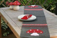 Tischläufer Fliegenpilz für ein herbstliches Ambiente