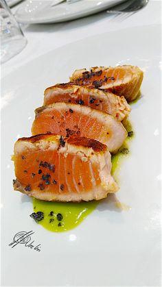 Tataki-salmon_con sal de tinta sepia