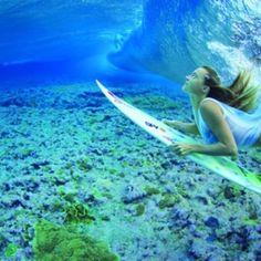 0423611ca9d71 Duck dive Surfer Girls, Soul Surfer, Alana Blanchard, Underwater  Photography, Underwater Model