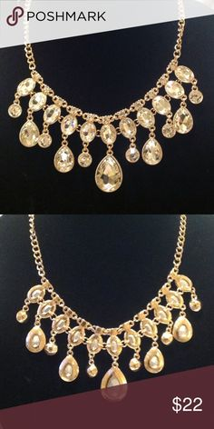 Beautiful crystal necklace 💖 Perfect for those holiday parties❣❣ New💥gold color with beautiful faceted crystals. Reflects colors, very pretty❣❣💞 Natasha Jewelry Necklaces