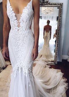 Elegant V-Neck Mermaid Open-Back Appliques Wedding Dress BA4391