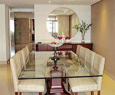 espelho na sala de jantar 1 Dining Room Table Centerpieces, Glass Dining Room Table, Interior Work, Luxury Interior, Interior Design, Sala Grande, Dinner Room, Small Room Design, Living Room Decor