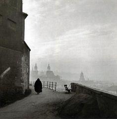 Salzburg, Austria, by Ernst Haas 1945 Credit: ERNST HAAS ESTATE  Ernst Haas (1921 – 1986)  photojournalist -  photographer.
