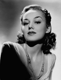 Anne Shirley, Actress: Murder, My Sweet. ~~ They didn't come packaged any sweeter and lovelier than Anne Shirley, a gentle and gracious 1930s teen film actress and retired all too soon at age 26. Absolutely brilliant as Anne in Anne of Green Gables 1934.