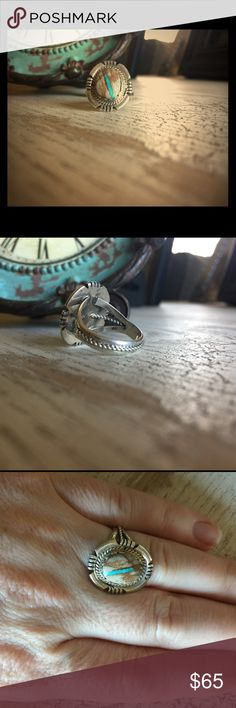 Beautiful Native American ring Stunning 925 sterling silver ring with gorgeous natural stone. Jewelry Rings