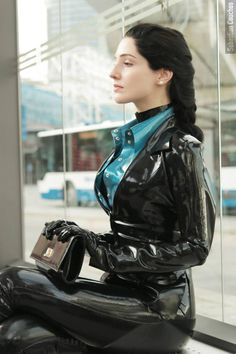 Latex, Rubber, Vinyl, PVC, Bondage and so on .) i hate the 250 posts limit. Sexy Latex, Faszination Latex, Mode Latex, Latex Gloves, Fetish Fashion, Latex Fashion, Women's Fashion, Rubber Catsuit, Latex Costumes