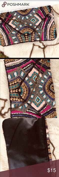 """NWT- Gorgeous vintage beaded chain link clutch This will catch everyone's attention on a special night out! Measurements are 10"""" wide x7"""" deep with a chain length of 21"""". Bags Clutches & Wristlets"""