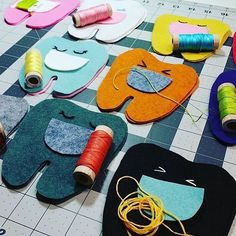 What an adorable lineup of in progress tooth fairy pillows by @jesy_anderson…