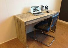 steigerhouten bureau tafel