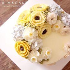 Lemon #buttercream#cake#baking#수제케이크#weddingcake#버터크림케이크#꽃#flowers#buttercake#플라워케이크#wedding#버터크림플라워케이크#specialcake#birthdaycake#flower#장미#rose#디저트#케이크#cupcake#dessert#food#beautiful#부케#bouquet#instacake#꽃스타그램#flowercake#peony@yoon2222222
