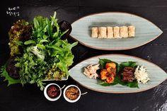 Ssambab - Korean rice wrap for summer  [BY foodstylist 노영희] 여름철 가장 많이 먹는 음식 중 하나가 쌈밥이다. 연한 채소 잎에 된장이나 고...