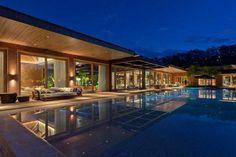 Modern dream home pool