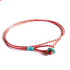 Βραχιόλι με διπλό κορδόνι και τυρκουάζ λεπτομέρειες Diy Bracelets And Anklets, Fabric Bracelets, Macrame Bracelets, Handmade Bracelets, Stylish Jewelry, Diy Jewelry, Jewelery, Handmade Jewelry, Jewelry Making