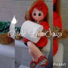 Boneca de pano porta papel  http://www.atelieliviasouza.com.br